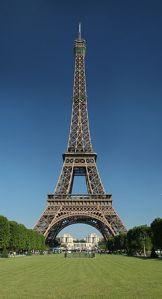 Tour_Eiffel_jourWikimedia_Commons