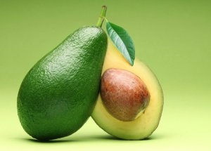avocado-sliced-in-half