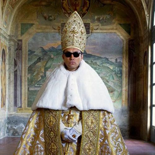 the-young-pope-5-choses-a-savoir-sur-la-serie-de-canal-avec-jude-law_square500x500